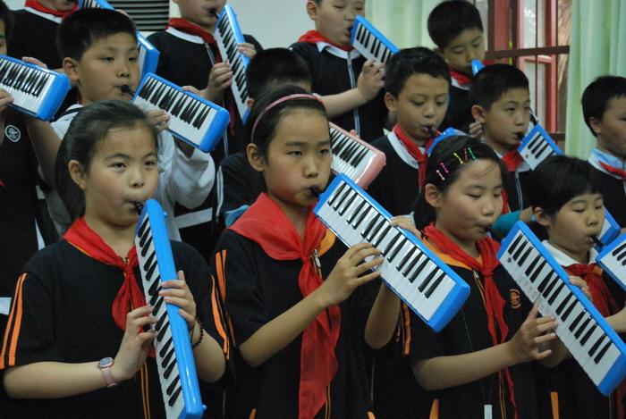 9年5月12日三年级口风琴比赛30
