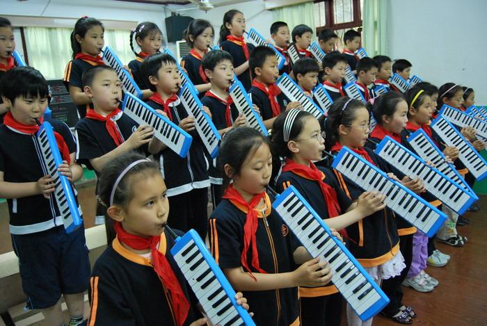 9年5月12日三年级口风琴比赛7