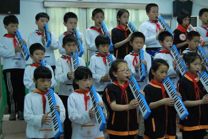 9年5月12日三年级口风琴比赛3