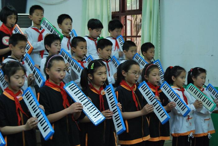 9年5月12日三年级口风琴比赛2