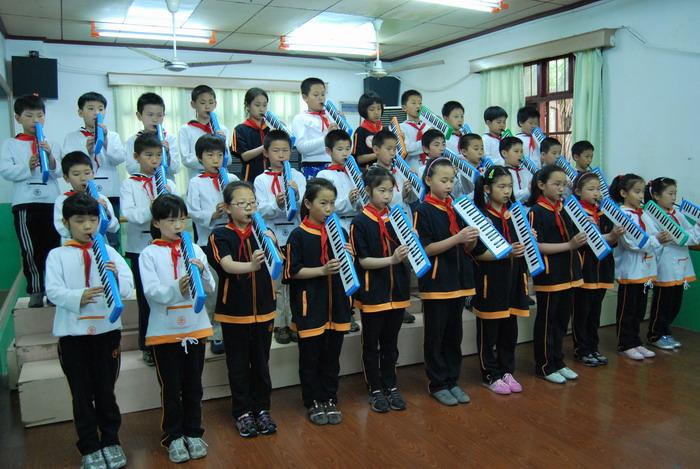 9年5月12日三年级口风琴比赛1